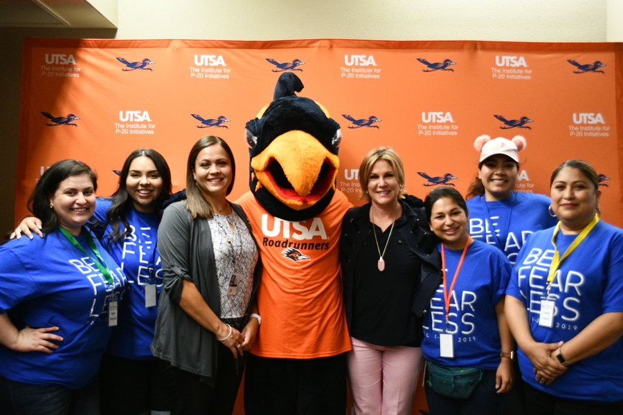Youth Visit Utsa For Independence Day Conference